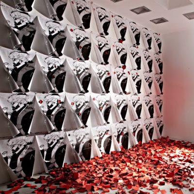 Ardan Özmenoğlu, Without a rose, 2008, Screenprint on post it notes, dimensions variable.
