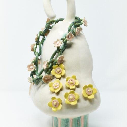 Holly Stevenson, Mystique, 2020, Stoneware, glaze, 36x21x14 cm.
