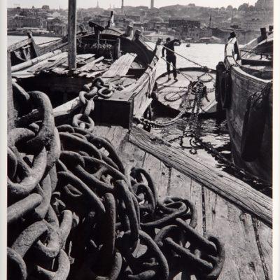 Ara Güler, Balat'ta tekneler, Haliç, 1969, Fotoğraf, 63 x 44 cm.